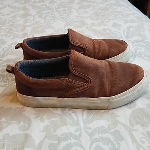 Old Navy boys size 1 suede slip on shoes